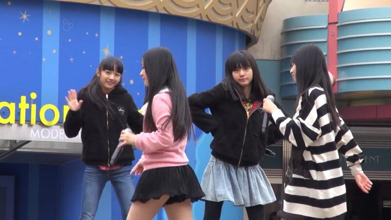 アイドルグループ「Fairies(フェアリーズ)」のハミパンチラ 01:08