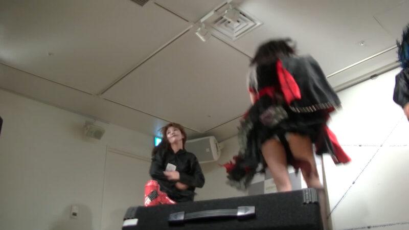 椎名ぴかりん NEWシングル『バババーババウムクーヘン★/下僕 GEBO GEBO !!』ミニライブ 11:17