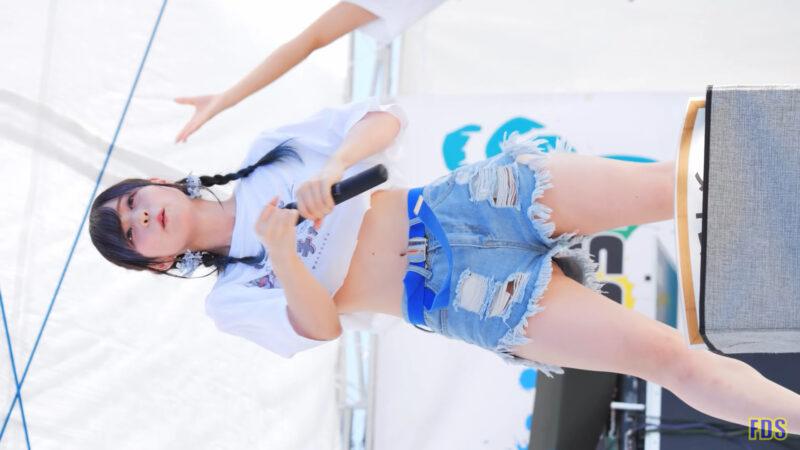 [4K] にっぽんワチャチャ 「深い意味はないけどバナナが好き」 アイドル ビーチ ライブ Japanese idol group 00:28
